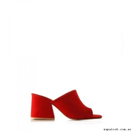 sandalias rojas Ricky Sarkany primavera verano 2017