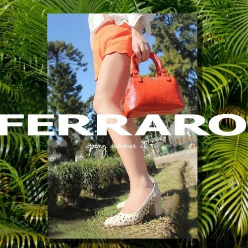 zapatos calados y cartera narnaja verano 2017 - Ferraro