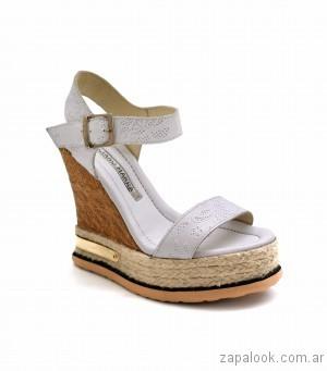 luciano marra sandalias blancas con plataformas yute verano 2017