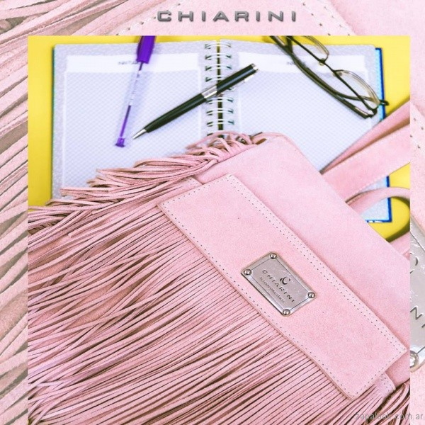 cartera rosada con flecos chiarini primavera verano 2017