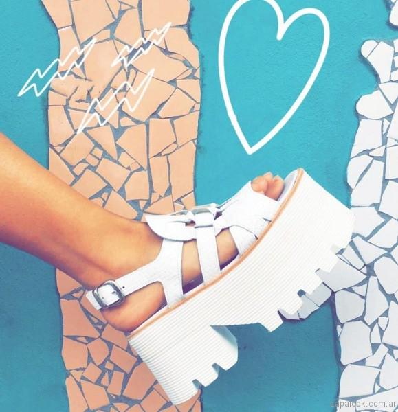sandalias blancas para teenager verano 2017 sofia de grecia
