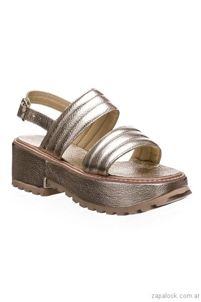 sandalias con plataforma plateada primavera verano 2017 calzados clona