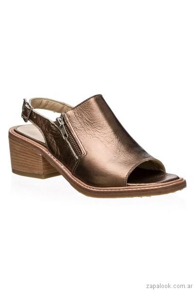 sandalias taco medio color cobre primavera verano 2017 calzados clona