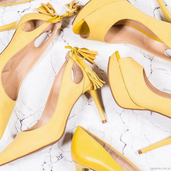 zapatos amarillos verano 2017 via uno