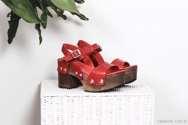 sandalia roja base de madera verano 2017 priscila bella