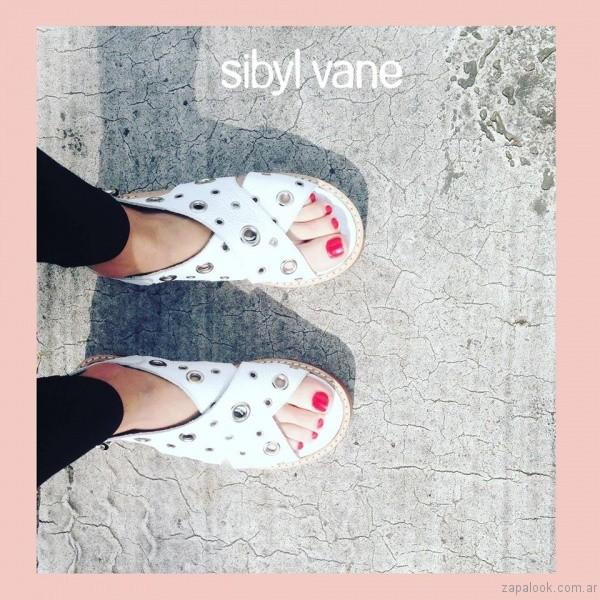 sandalias blancas con ojales verano 2017 sibyl vane