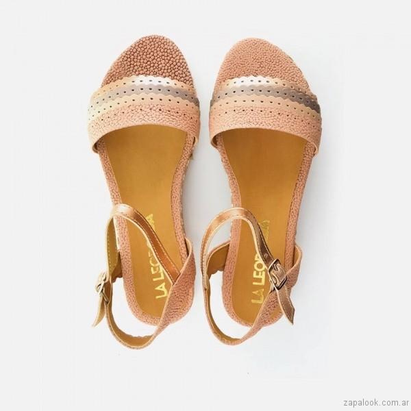 sandalias chatitas metalizadas calzado la leopolda verano 2017