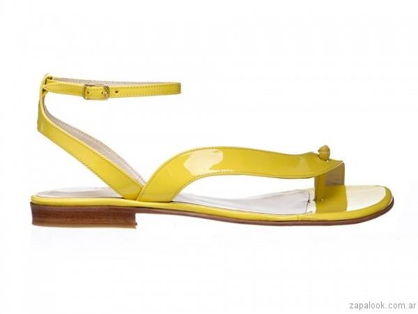 sandalias planas amarilas josefina ferroni verano 2017