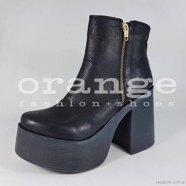 botineta taco grueso - Orange fashion shoes otoño invierno 2017