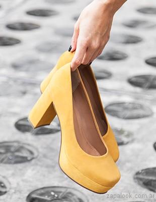 Zapatos altos amarillos invierno 2017 American Pie