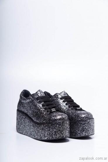 zapatillas metalizadas con plataformas 47 street invierno 2017