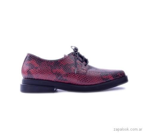 zapato abotinado bordo y negro otoño invierno 2017 Tosone