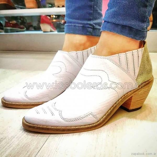 Botineta blanca estilo texanas las boleras invierno 2017