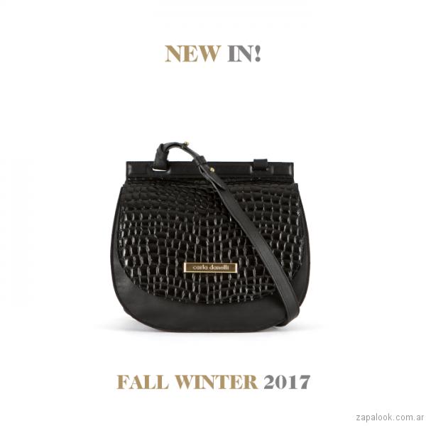 bandolera negra Carla Danelli invierno 2017