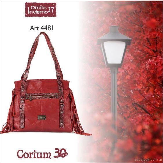 cartera roja con flecos Corium invierno 2107