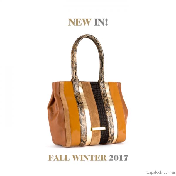 carteras tonos marrones Carla Danelli invierno 2017