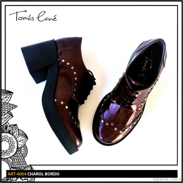 zapato abotinado con taco bordo invierno 2017 Tomas Cane