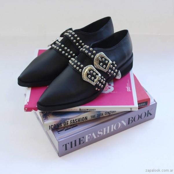 zapatos negros en punta invierno 2017 Kloosters