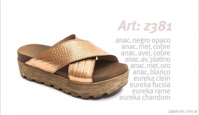 Sandalias con base alta dorada tiras cruzadas primavera verano 2018 - calzados Traza