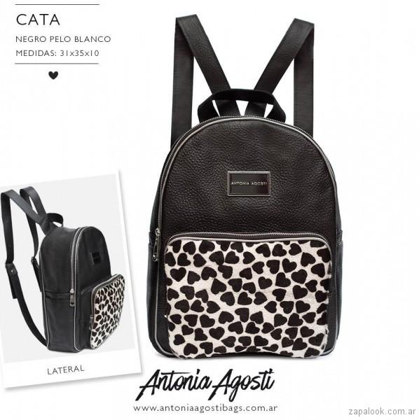 mochila negra y blanca verano 2018 Antonia Agosti Bags