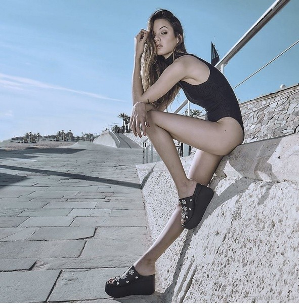 sandalias con plataforma Ricky Sarkany primavera verano 2018