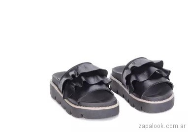 sandalias planas con volados verano 2018 - Calzados Viamo