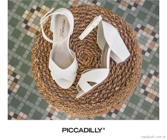 sandalias blancas con taco bajo verano 2018 - Piccadilly