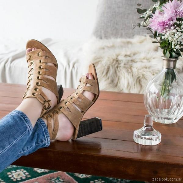 sandalias de cuero verano 2018 - Clara Barcelo