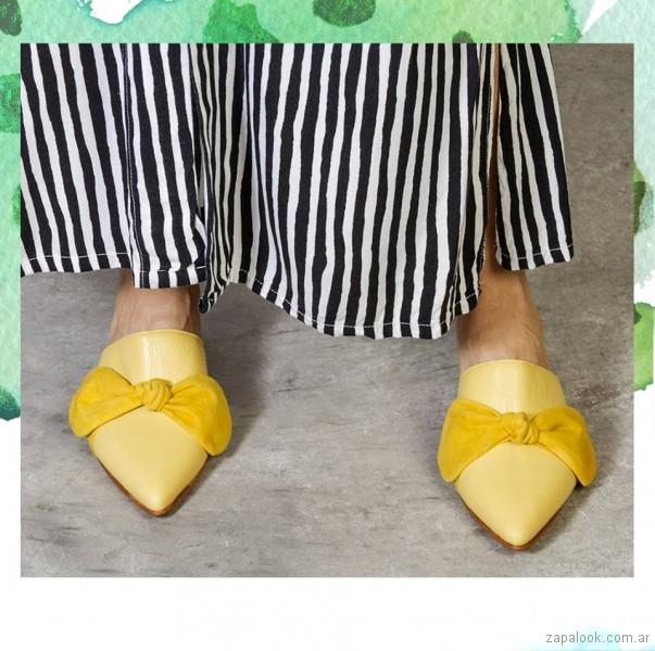 zapato amarillo con moño primavera verano 2018 - Cestfini