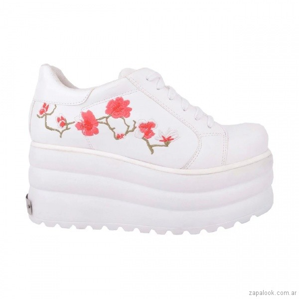 Zapatillas-bordadas-con-plataformas-verano-2018-Luna-Chiara