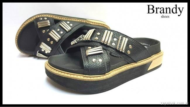 sandalais bajas negras con tachas primavera verano 2018 - Brandy