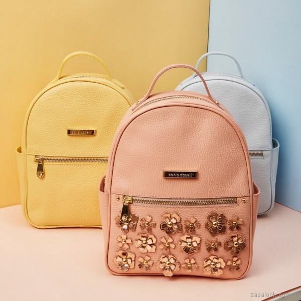 mochilas de cuero con flores 3d verano 2018 Carla Danelli