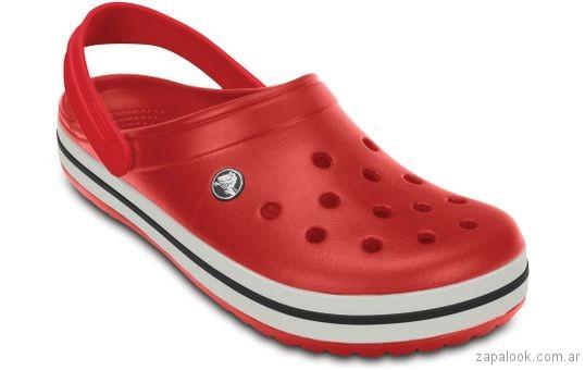 sandalia rosa Crocs verano 2018