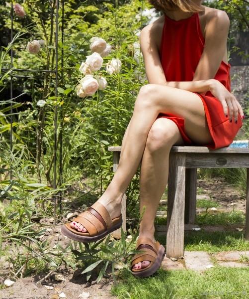 sandalias planas marrones verano 2018 Le Loup