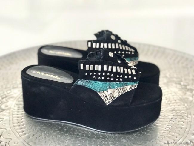 sandalais negras con base alta