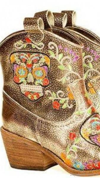 Favio Benchimol - botinetas texanas doradas ivnierno 2018