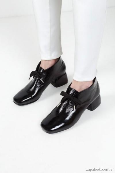 zapato negro con cinta invierno 2018 - Mishka