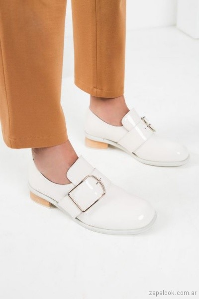 zapatos planso blancos para mujer invierno 2018 - Mishka