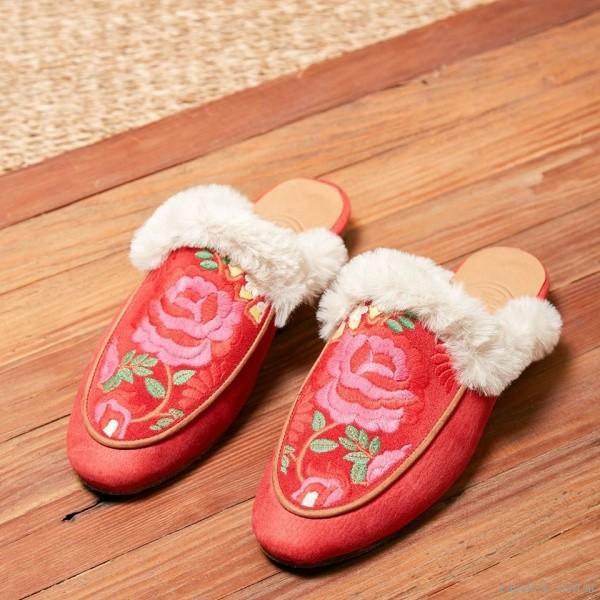 Mules rojas con corderito invierno 2018 - Clara Barcelo