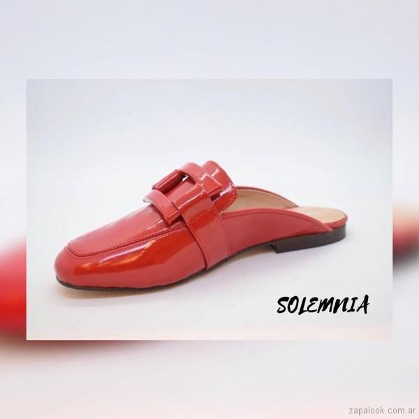 solemnia - zapatos rojos decharol para mujer verano 2019