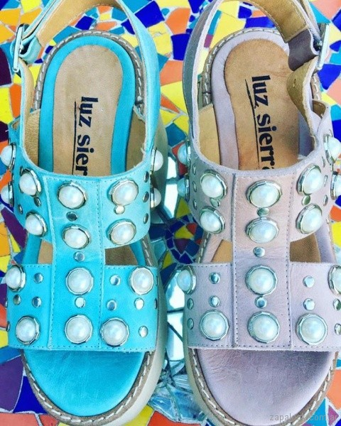 sandalias con plataforma perlas y tachas Luz sierra Zapatos primavera verano 2019