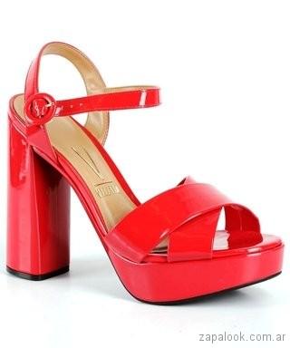 sandalias rojas de charol verano 2019 - Vizzano
