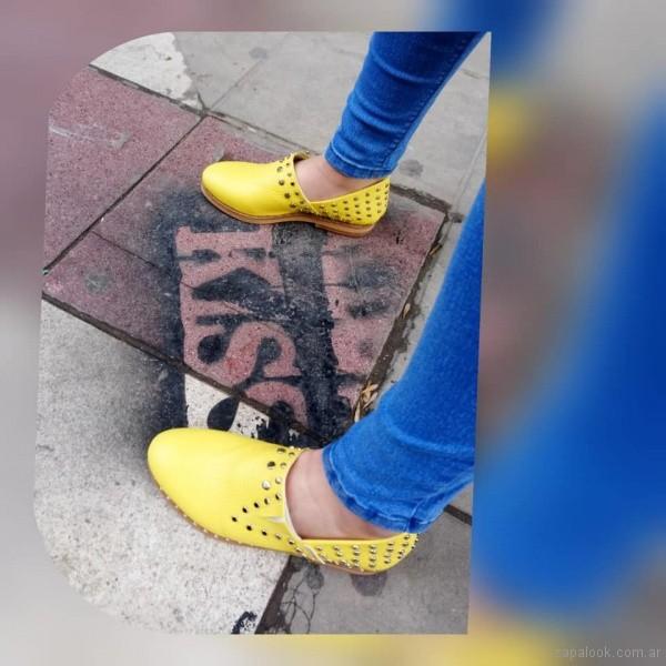 zapatos amarillos primavera verano 2019 - Calzados Micaela Pasos que enamoran