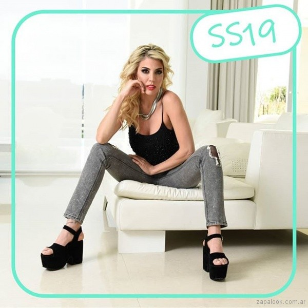 Sandalias negras con plataformas verano 2019 - Nazaria