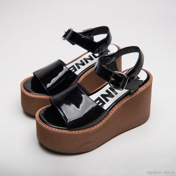 sandalias con plataformas verano 2019 - Calzados DONNE