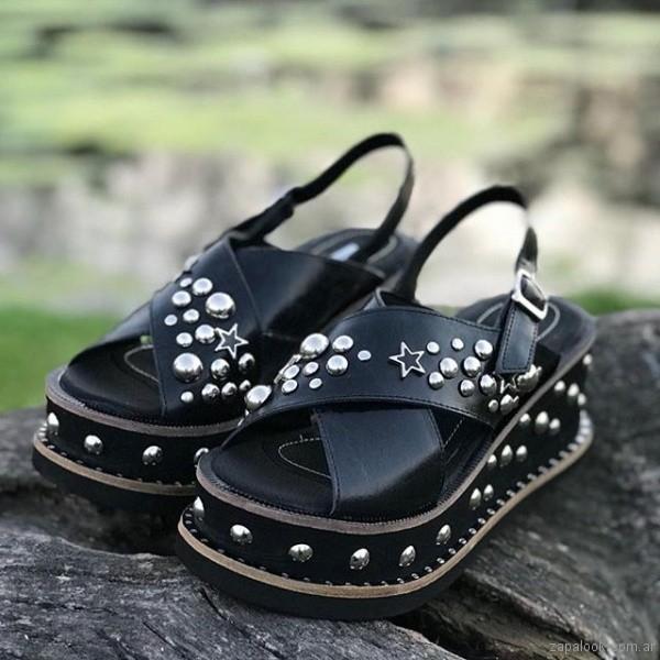 sandalias negras con tachas verano 2019 - anca co
