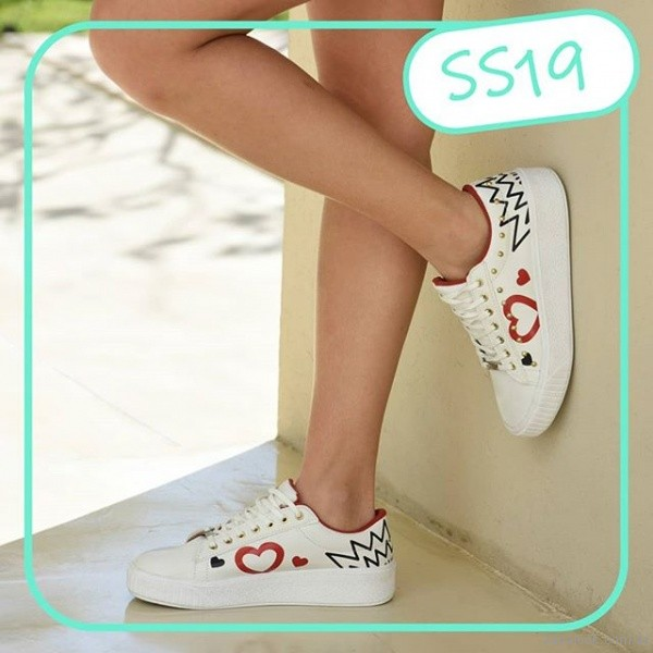 zapatillas blancas estampadas verano 2019 - Nazaria