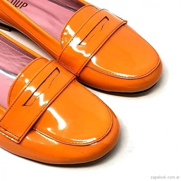 zapatos naranja de charol primavera verano 2019 - Le Loup
