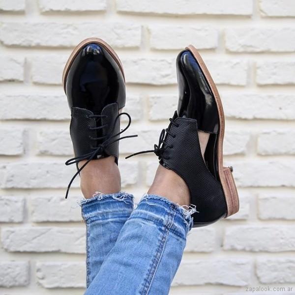 1b8e50904460e zapatos negros acordonados mujer verano 2019 - Paloma Cruz