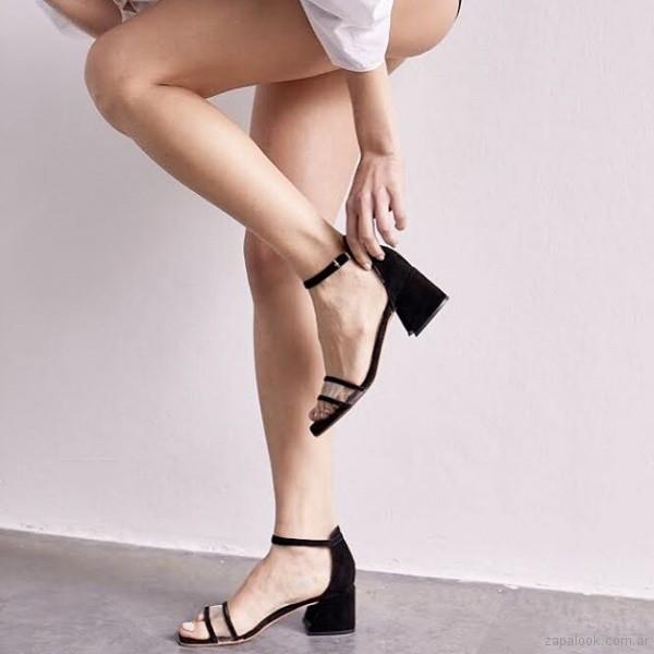 Sandalias negras con tira transparente verano 2019 Sibyl Vane